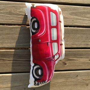 enVogue Indoor/Outdoor Car shapes pillow